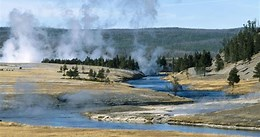 best travel destinations North America - Yellowstone Park